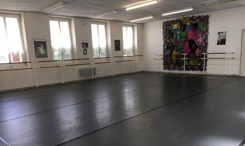 Grand studio de danse de l'école Nemausa