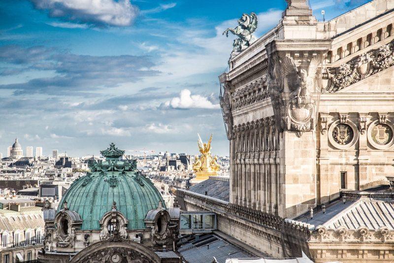 Toits du Palais de l'Opéra Garnier à Paris