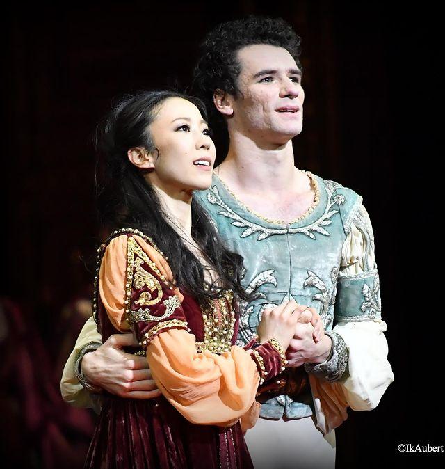 Sae Eun Park, étoile, avec Paul Marque